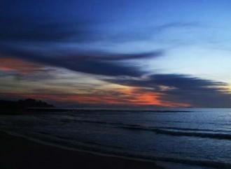 Menikmati Bulan Madu Romantis di Tanjung Lesung