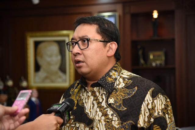 Fadli Zon : Pemerintah Jangan Prioritaskan Tenaga Asing