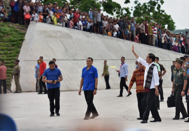 Jokowi : Mereka Harus Selfie di Tempat Kita