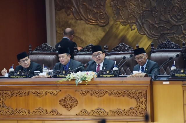 Dua Fraksi Tak Setuju, Fadli Zon Tetap Sahkan Revisi UU MD3