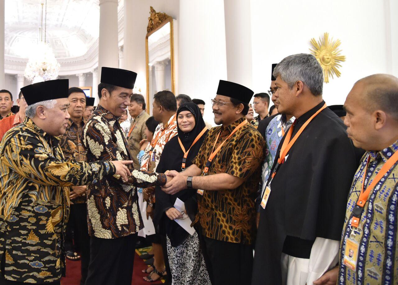02 Presiden dan tokoh agama 03