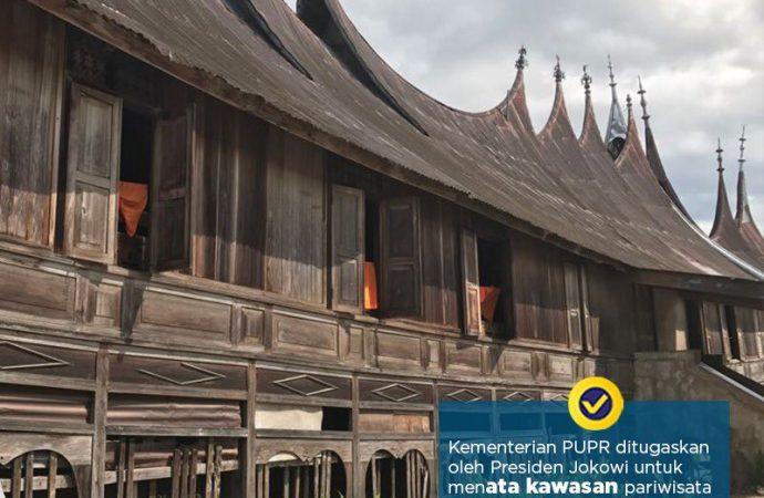 Jokowi Canangkan Revitalisasi 1000 Rumah Gadang