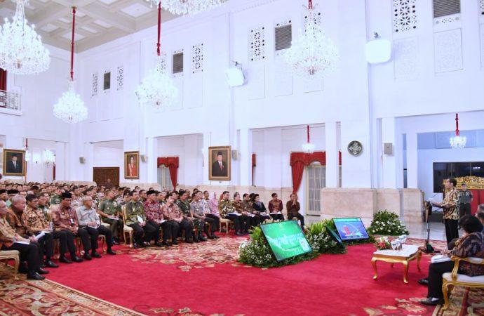 Jokowi Ancam Copot Pangdam dan Kapolda