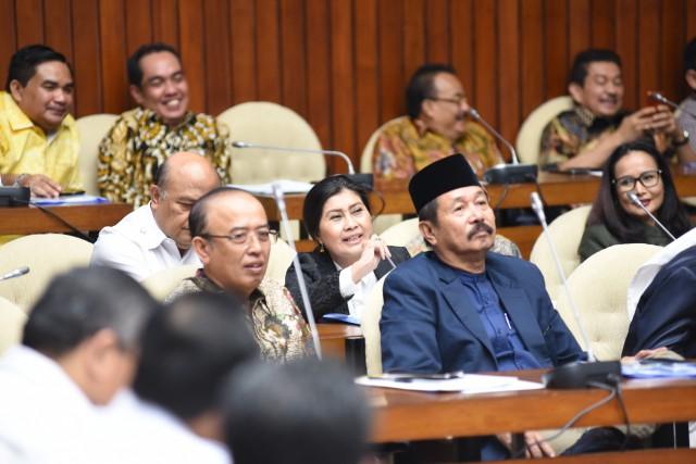 Wacana Bulog Terkait Beras Sachet Didukung DPR