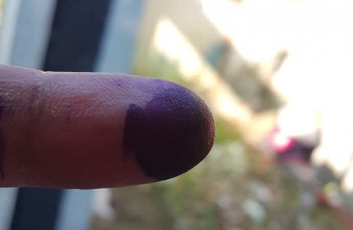 Exit Poll Indo Barometer : Ridwan Kamil-UU Ruzhanul Unggul di Jabar