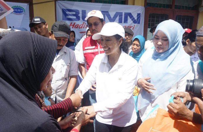 Ke Pandeglang, Menteri Rini Tugaskan BUMN Segera Bangun Hunian Sementara untuk Korban Tsunami