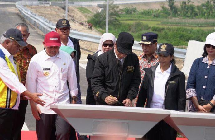 Menteri Rini: Tol Trans Jawa Akan Dorong Pertumbuhan Ekonomi Jatim