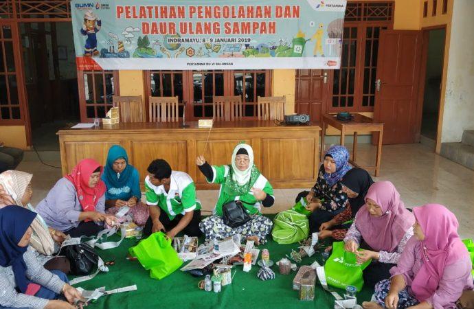 CSR RU VI Latih Warga Bikin Kerajinan Tangan dari Sampah