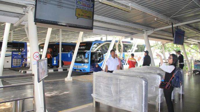 Angkasa Pura II: Yang Mau Naik Bus Dari Bandara Soetta Bisa Beli Tiket di Vending Machine