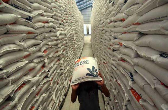 Bulog Anggarkan Rp15 Triliun Untuk Serap Beras Petani