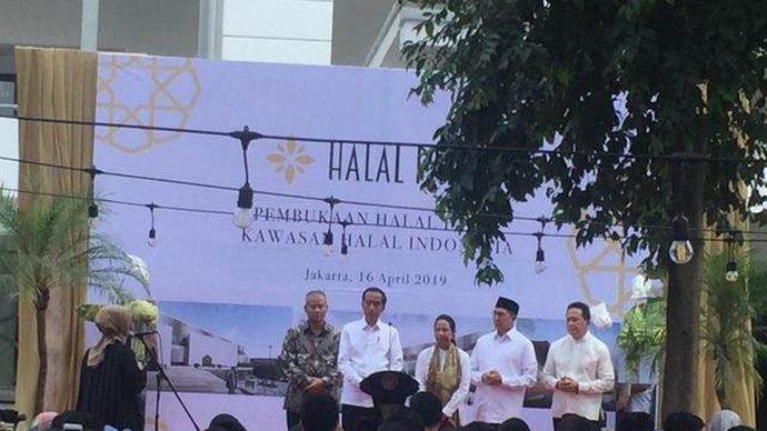 Jokowi Senang Wisata Halal Indonesia Terbaik di Dunia