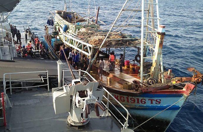 DPR Dorong KKP Proses Hukum Kapal Asing yang Tertangkap Ilegal Fishing