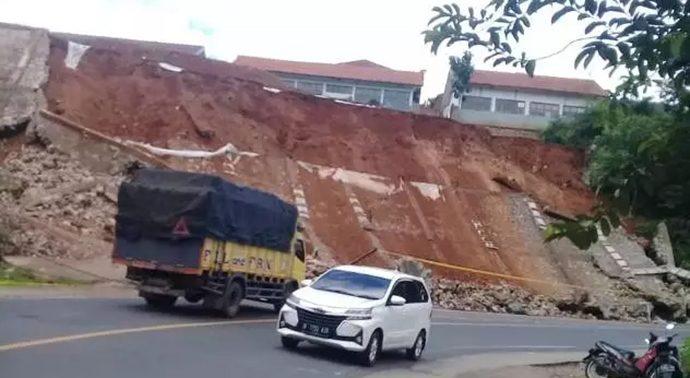 BNPB Sebut Longsor Akibat Gempa di Garut Tak Ada Korban