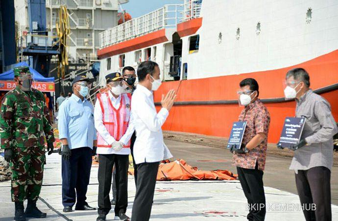 Jokowi Apresiasi Kerja Keras Tim SAR Gabungan Tangani Musibah Pesawat SJ-182