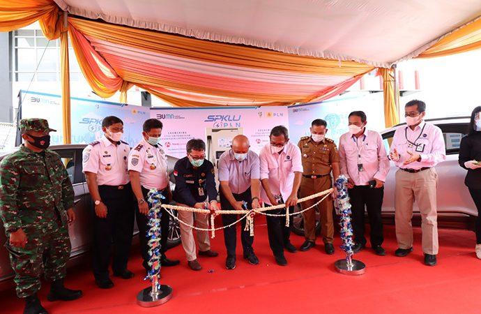 Dukung Percepatan KBLBB, PLN Hadirkan SPKLU di Tol Trans Sumatera
