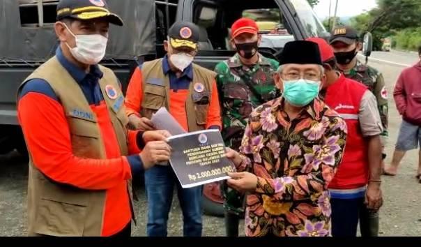 BNPB Serahkan Bantuan Sebesar Rp4 Miliar untuk Gempabumi Sulbar