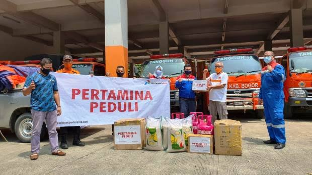 Pertagas Salurkan Bantuan Bencana Banjir Bandang Gunung Mas Puncak