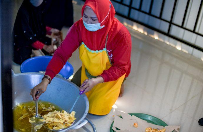 Pertamina RU II Resmikan Rumah Produksi Kelompok Mitra Persada Tanjung Palas