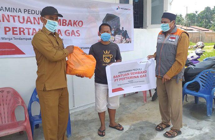 Pertagas Serahkan Bantuan Sembako untuk Korban Banjir di Aceh
