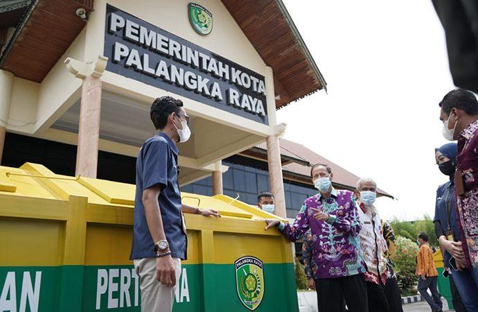 Pertamina Serahkan 4 Unit Kontainer Sampah untuk Pemkot Palangkaraya