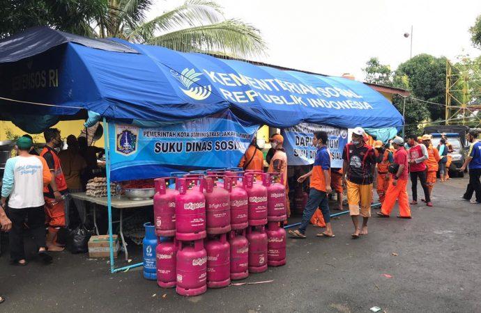 Bantu Korban Banjir, Bright Gas Hadir di Dapur Umum Jakarta