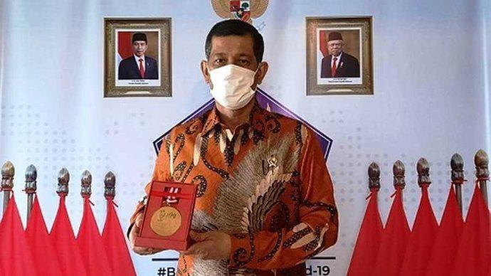 Doni Monardo Raih Anugerah Medali Emas Dalam HPN