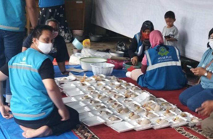 Karyawan PLN Buka Dapur Umum untuk Warga Terdampak Banjir Karawang
