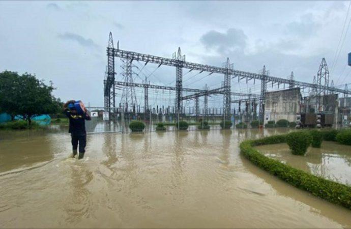 PLN Gerak Cepat Amankan Listrik di Wilayah Terdampak Banjir Jakarta dan Jabar