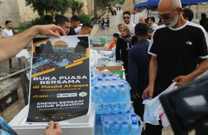 INH Gelar Bukber di Komplek Masjid Al-Aqsha Palestina